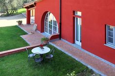 The Mirtilla IV Apartment in Fresh air and freedom in the countryside! Holiday Apartments, Vacation Apartments, Top Destinations, Terrace Garden, Terraces, Florence, Countryside, Freedom, Gardens