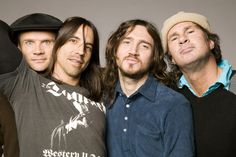 Red Hot Chilli Peppers divulga duas músicas novas