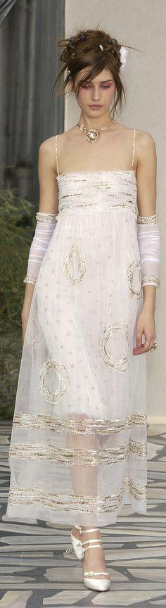 Chanel S/S 2003, elegant for ever...