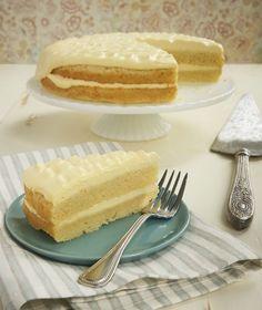 Lemon Cream Cake ~ http://www.bakeorbreak.com