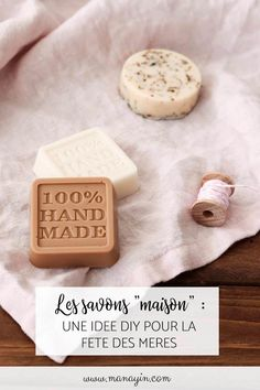 Hjemmelavet sæbe: en DIY-idé til mors dag - Melly Joe Diy Savon, Savon Soap, Smoothie Detox, Diy Chandelier, Idee Diy, Diy Blog, Home Made Soap, Diy Cleaning Products, Book Crafts