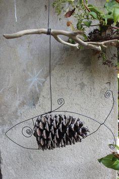 Ideas Abstract Art Diy Ideas Mobiles For 2019 Kids Canvas Art, Spring Art Projects, Art Diy, Pine Cone Crafts, Driftwood Art, Wire Crafts, Fish Art, Nature Crafts, Land Art