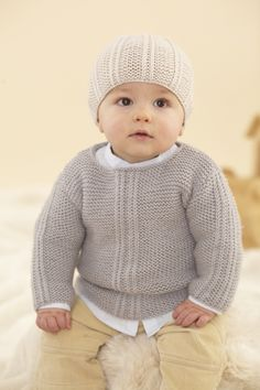 Stricken Baby :Designs from The Twenty First Little Sublime Hand Knit Book - 21 designs f. Baby Cardigan Knitting Pattern Free, Baby Boy Knitting Patterns, Knitting For Kids, Baby Patterns, Hand Knitting, Brei Baby, Knit Baby Sweaters, Baby Pullover, Sweater Design