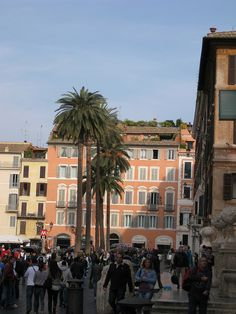 Spanish Steps and Piazza di Spagna, via Flickr.