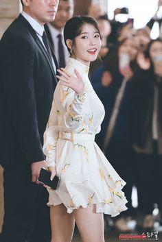 190327 Persona Press Con Cr: Spinel Warner Music, Kdrama Actors, Iu Fashion, Korean Star, K Idol, Korean Singer, Asian Beauty, Actors & Actresses, Cool Girl