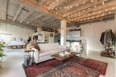 Loft in Los Angeles, United States. Gorgeous Loft perfect for photo shoots! Our loft is right in the heart of downtown and just blocks to the fashion district. It gets the most perfect natural light and is a photographers dream! $350/4 hours, $650/8 hours, $750/10 hours  Our 900 squ...