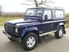 Land-Rover-defender-90-TD5-County-Station-Wagon