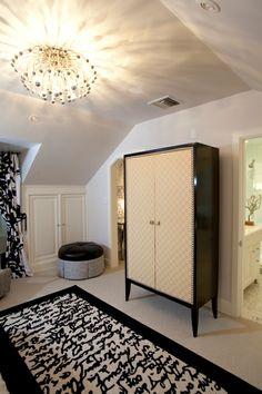 Kids room | #bright #modern #kidsroom #girlsroom #blackandwhite #blue #rug #interiordesign #interior #dresser