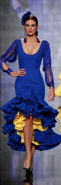 Rosapeula, Simof 2015 Flamenco Costume, Flamenco Dancers, Flamenco Dresses, Spanish Dress, Spanish Style, Drag Clothing, Mode Costume, Beauty And Fashion, Spanish Fashion