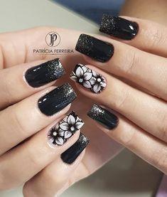 Pin on Nails Creative Nail Designs, Beautiful Nail Designs, Creative Nails, Nail Art Designs, Cute Nails, Pretty Nails, Nailart Glitter, Black And White Nail Art, Tribal Nails