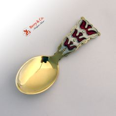 Vintage Norwegian sterling silver tea caddy spoon with beautiful red and white guilloche enamel dove decorations, Einar Modahl, c.1950.