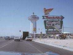 Las Vegas, June On Paradise Road, approaching Landmark and the rear-side of Thunderbird. Workers prepare for Landmark's July opening. Vegas Casino, Las Vegas Nevada, Hotels And Resorts, Best Hotels, Old Photos, Vintage Photos, Vintage Neon Signs, Las Vegas Photos, Landmark Hotel