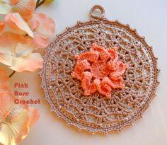 PINK ROSE CROCHET : Pega Panelas Quadrado com Flor Vermelha