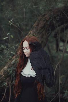 Barantseva, Olga - Woman w Raven Fantasy Photography, Artistic Photography, Creative Photography, Character Inspiration, Character Design, Arte Obscura, Crows Ravens, Slytherin Aesthetic, Southern Gothic