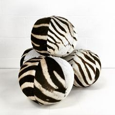 1000 images about design pillows on pinterest velvet for Dujardin zebre