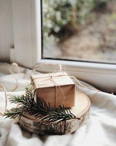 Fotografia produktowa - Aranżowane zdjęcia produktowe   Voska Studio --- Christmas gift / boho gift / boho style / window