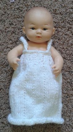 Knit doll nightgown free pattern – The Clutter Removing Erythrocyte 12 Inch Doll Clothes, Baby Doll Clothes, Doll Clothes Patterns, Doll Patterns, Baby Dolls, Toddler Dolls, Girl Dolls, Knitting Patterns Free, Free Knitting