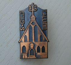 S.Gild, Tallinn, Estonia - medieval architecture - vintage Estonian pin; HM, EX-