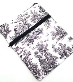 Zippered Macbook Air 13 padded sleeve / by kennebunkportdesigns