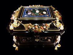 Pietra dura jewel casket of Queen Marie Casimire Sobieska by Anonymous from Florence, ca. 1680, Muzeum Narodowe w Warszawie (MNW)