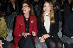 Les princesses Caroline et Alexandra de Hanovre au défilé Chanel à Rome, le 1er décembre 2015