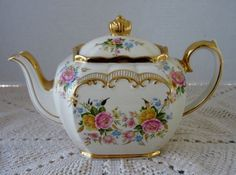 Vintage Sadler Teapot Pink & Yellow Roses Rich Gold Trim w Scrolls # 2657 #Sadler