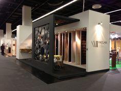 Paneles de madera decorativos. MDF negro con telas de colores. Colección Acoustic. Stand