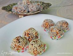 Полезные конфеты. Ингредиенты: курага, чернослив, овсяные хлопья