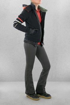 cb2ac0b80a3091 This short ski jacket in racer look with smart side stripes on the sleeves  is the ultimate fashion statement ultra for ski speedsters of any age.