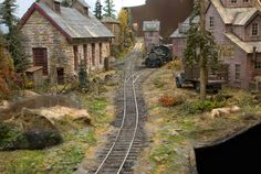 """Jon Addison's """"Silverton Central"""" in Sn3. note the gallows turntable at the end of the line"""