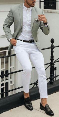 White shirt and white pants with a colored sport coat blazer is always a daytime. - White shirt and white pants with a colored sport coat blazer is always a daytime or late night go t - Mens Fashion Wear, Suit Fashion, Fashion Pants, Classy Fashion, Gentleman Mode, Gentleman Style, White Pants Men, White Pants Outfit Mens, Stylish Men