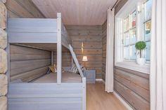 (2) FINN – Rauland - Holtardalen - Nyoppført høystandard hytte i massiv laft - Eventyrlige sol og utsiktsforhold - ski inn/ut- 6 soverom - Garasje