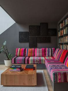 Brooklyn Brownstone - contemporary - living room - portland - by Jessica Helgerson Interior Design Canapé Design, Design Case, House Design, Custom Design, Sofa Design, Daybed Design, Quilt Design, Design Room, Salon Design