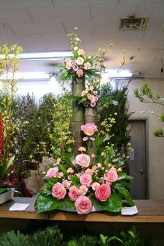 Tidy tripled wedding flower arrangements decor Visit us at Altar Flowers, Church Flower Arrangements, Church Flowers, Beautiful Flower Arrangements, Funeral Flowers, Wedding Flower Arrangements, Unique Flowers, Beautiful Flowers, Wedding Flowers