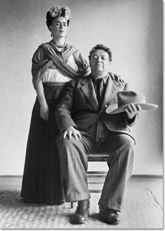 Frida Kahlo and Diego Rivera with hat by Nickolas Muray, 1940 Photo, Nickolas Muray, Famous Artists, Photography, Artist, Frida And Diego, Image, Muralist, Portrait