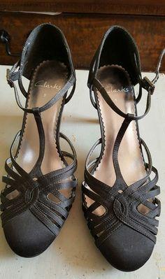 Clarks Ladies Black Satin Ankle Strap Lattice Kitten Heel Shoes Size 5.5/ 38.5