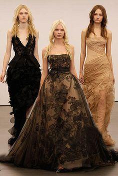 At the beginning of 2012 autumn and winter New York wedding dresses week, Vera Wang gives us a big surprise——all of the wedding dresses are brown and black colors.     mg