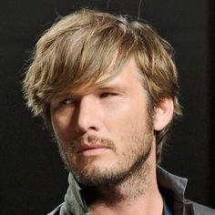 Shaggy Hairstyles for Men, Shaggy haircuts provide a variety of messy look. Most of the shaggy hairstyles have varied layers that offer them an enduring vogue. Trendy Mens Hairstyles, Mens Medium Length Hairstyles, Boy Hairstyles, Smart Hairstyles, Shaggy Haircuts, Cool Haircuts, Haircuts For Men, 2018 Haircuts, Medium Hair Cuts