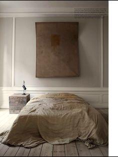 Organic bedroom in the Danish home of Oliver Gustav, 📷 by Heidi Lerkenfeldt Home Bedroom, Bedroom Decor, Bedrooms, Slow Design, Interior Architecture, Interior Design, Bedroom Vintage, Vintage Decor, Vintage Style