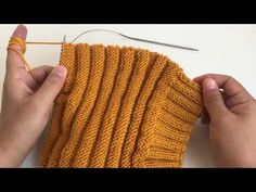 Baby Knitting Patterns, Loom Knitting, Rabbit Crafts, Crazy Hats, Crochet Coat, Beret, Diy Tutorial, Fingerless Gloves, Arm Warmers