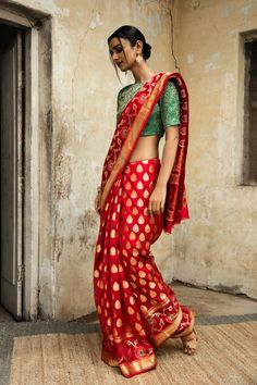 is the one-stop solution for Indian Fashion for Sarees and Artificial Jewellery, We have the finest collection of Jewellery for you directly Indian Fashion Trends, Ethnic Fashion, Indian Fashion Modern, Women's Fashion, Fashion Design, Indian Attire, Indian Ethnic Wear, Indian Dresses, Indian Outfits