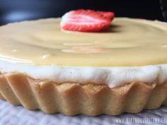 Křehký koláč s tvarohem a citronovým krémem Cheesecakes, Sweet Recipes, Cupcakes, Cooking, Food, Pizza, Kitchen, Cupcake Cakes, Essen
