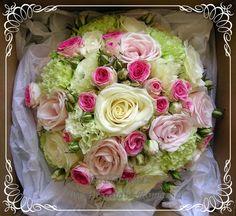 1_28764_buchet_trandafiri_miniroze_garoafe
