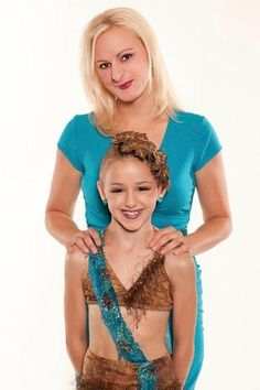 Picture: Christi Lukasiak and Chloe Lukasiak in 'Dance Moms.' Pic is in a photo gallery for 'Dance Moms' featuring 49 pictures. Dance Moms Chloe, Watch Dance Moms, Dance Moms Girls, Chloe Kendall, Chloe And Paige, Dance Moms Episodes, Dance Mums, Chloe Lukasiak, Show Dance