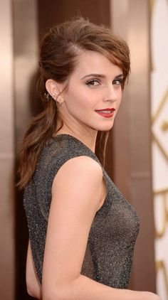 Actress Emma Watson, The Harry Potter Girl Who Is Well Known For Her Amazing Performance In The Series Of Harry Potter. She Is The Girl Emma Watson Images, Emma Watson Hot, Ema Watson, Emma Watson Style, Emma Watson Beautiful, Emma Watson Sexiest, Beautiful Celebrities, Gorgeous Women, Emma Watson Makeup