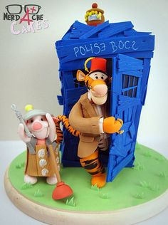 Doctor Winnie the Who cake (aw, quit your groaning, let me see you come up with something better)