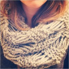 Chunky Drop Stitch Cowl - free knitting pattern by Peachtree St.