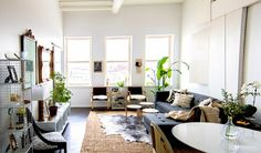 Home Tour: A Glam Bohemian Loft in Chicago via @domainehome