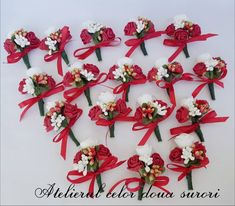 Weeding Weeding, Christmas Wreaths, Floral Wreath, Holiday Decor, Home Decor, Grass, Floral Crown, Decoration Home, Weed Control
