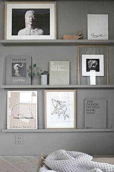 gray bookshelf TDC: Seamless Colour | Styling + photography by Nina Holst -Stylizimo